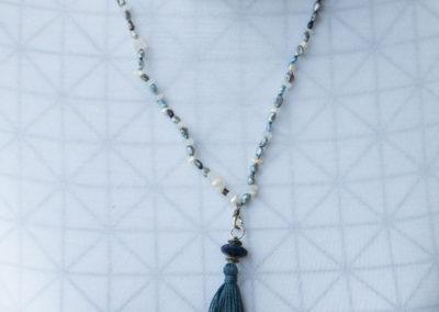 Perlen mit Quasten